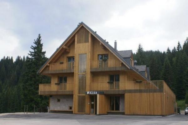 HOTEL JELKA POKLJUKA